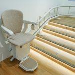 Le monte-escalier, l'excellent compromis de la fatigue, de la vieillesse et du handicap.
